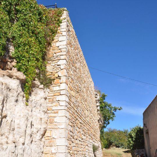 http://www.enm-construction.fr/wp-content/uploads/2017/04/Tailleur-pierre-sèche-var-14-540x540.jpg